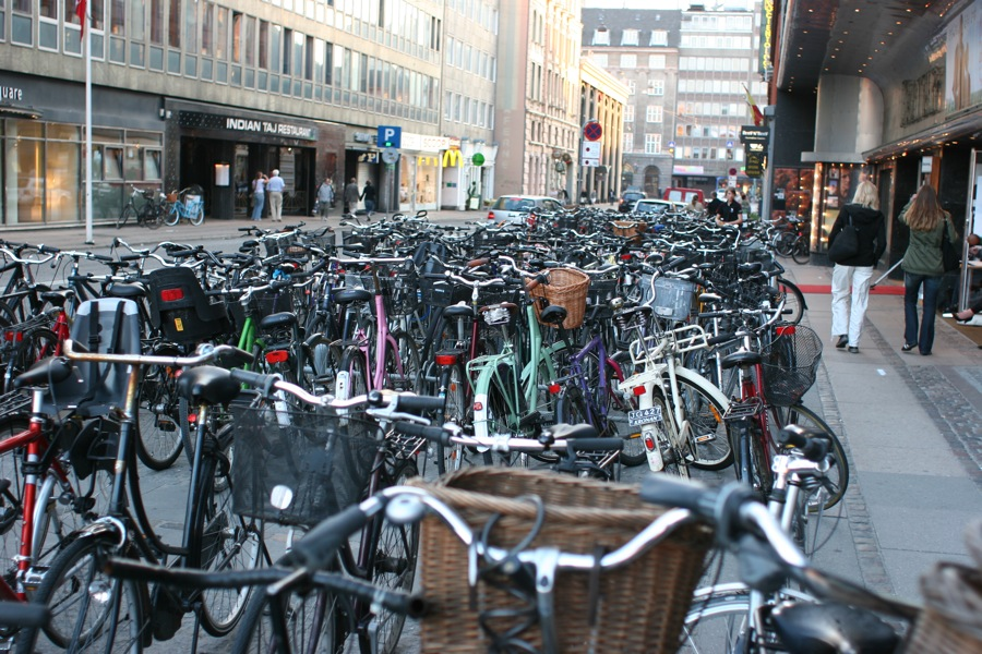 bike parking copenhagen