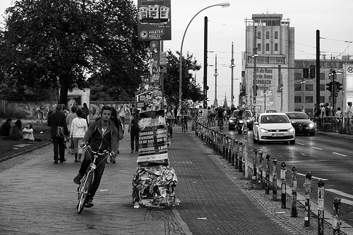 Bicyclist and cars share Berlin street